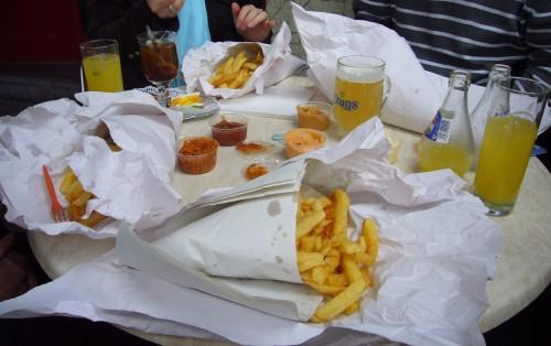 Fritten amRestauranttisch