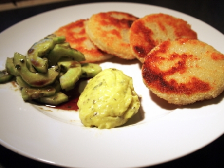 Panierter Kohlrabi mit Remoulade und Gurkensalat I Kochen für Schlampen